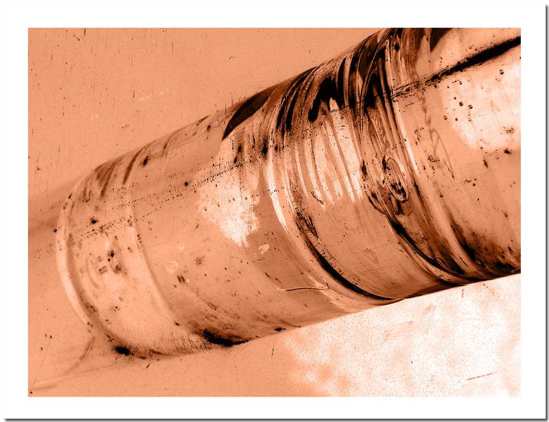 Wasserglas auf Tablett