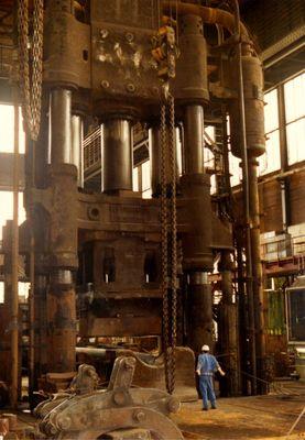 Wasserhydraulische Presse 75 NM
