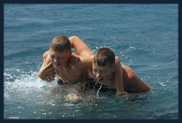 Wasserschlacht im großen Pool