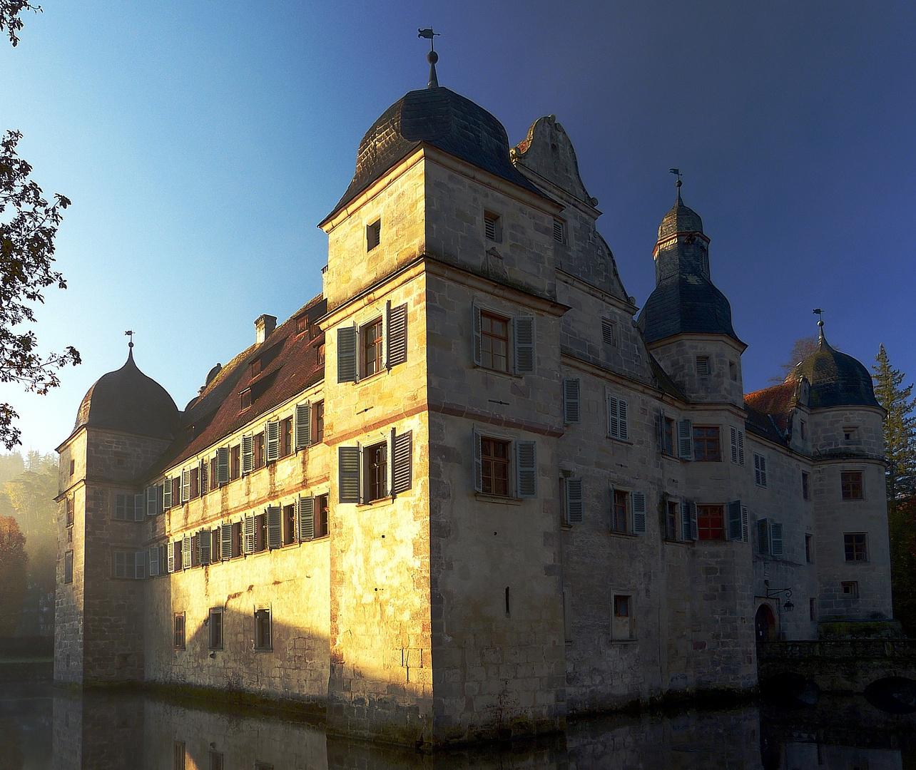 Wasserschloss Mitwitz - Ein neuer Tag beginnt
