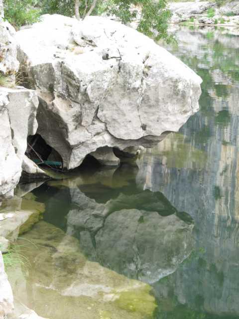 Wasserspiegelung Ardeche`` Südfrankreich