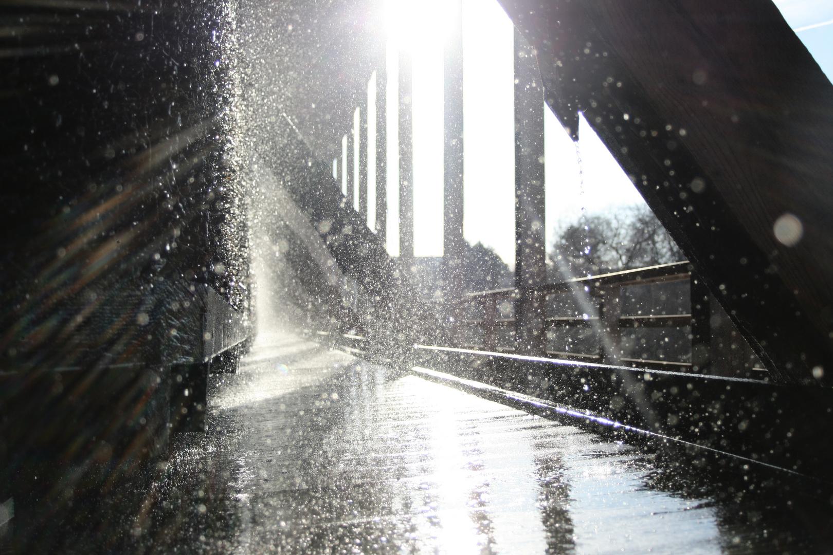 Wasserspiel im Licht (Saline Bad Dürkheim)