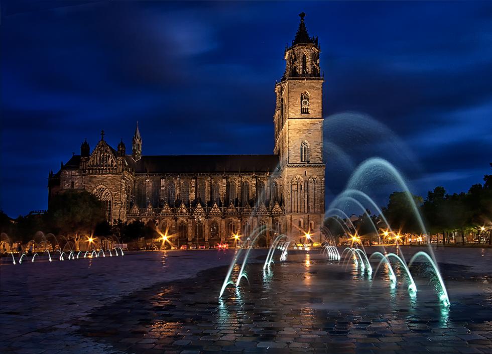Wasserspiele auf dem Domplatz...