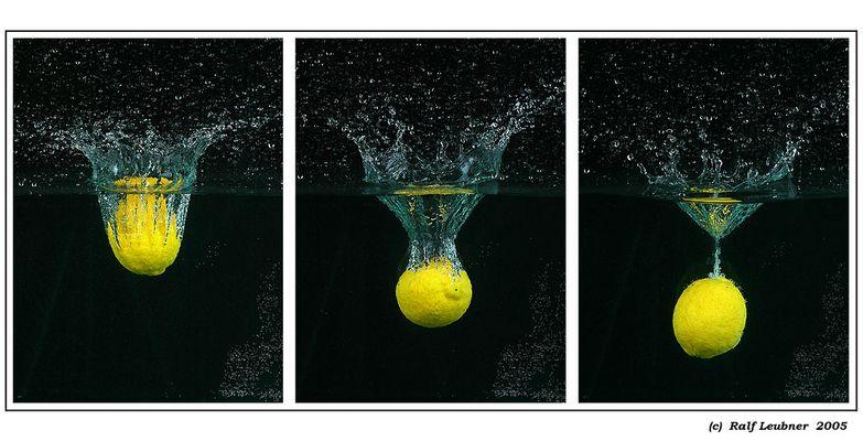 """Wasserspiele mit Früchten #02 --- """"Das Eintauchverhalten von Zitronen"""""""