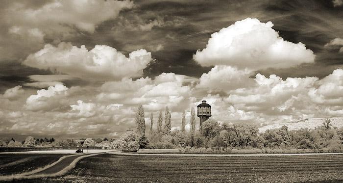 Wasserturm in Infrarot II