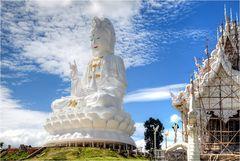 Wat Huay Pla Kung 13