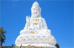 Wat Huay Pla Kung 15