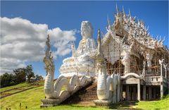 Wat Huay Pla Kung 16