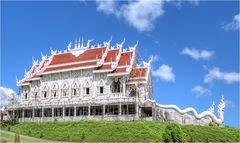 Wat Huay Pla Kung 6