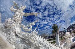 Wat Rong Khun 02