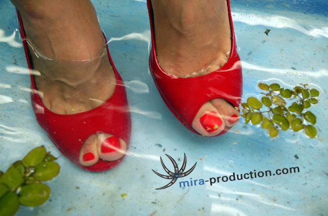 water feet II