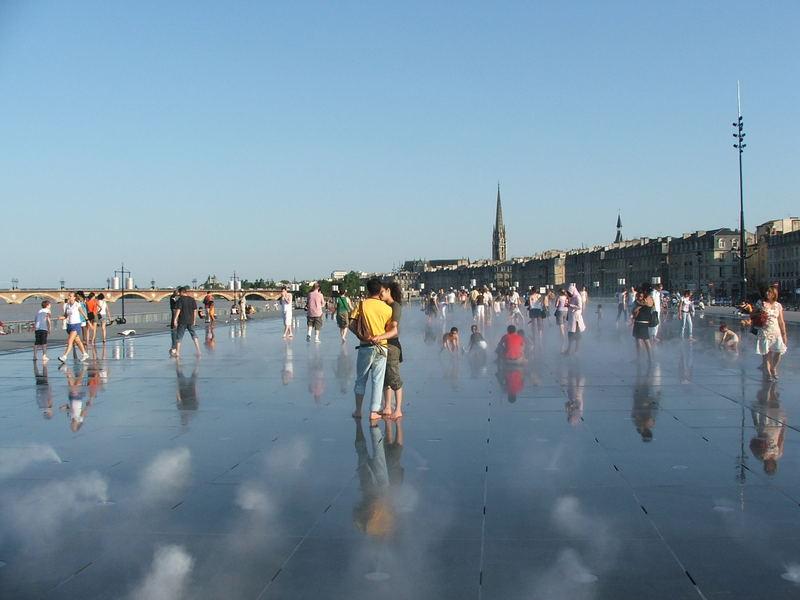 Water mirror, Bordeaux, 2007