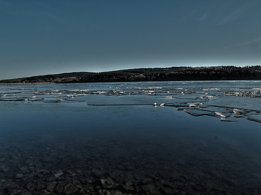 water,ice and sky