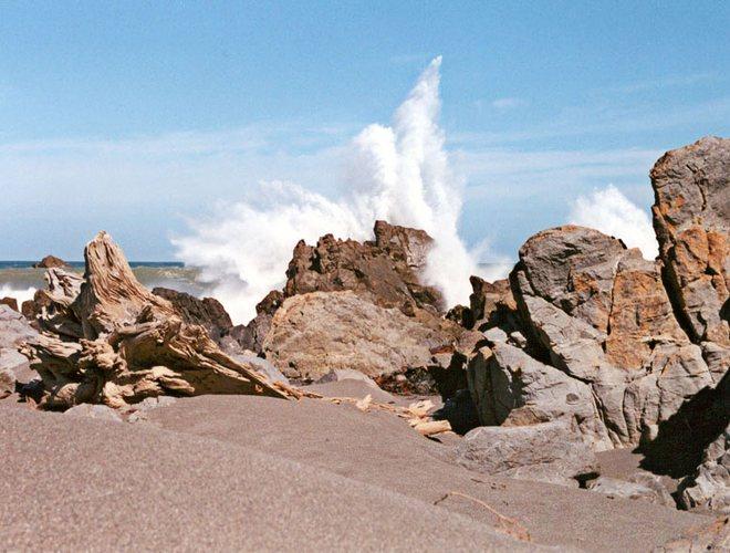Waves @ Bearing Head near Wellington