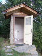 WC im Gebirge