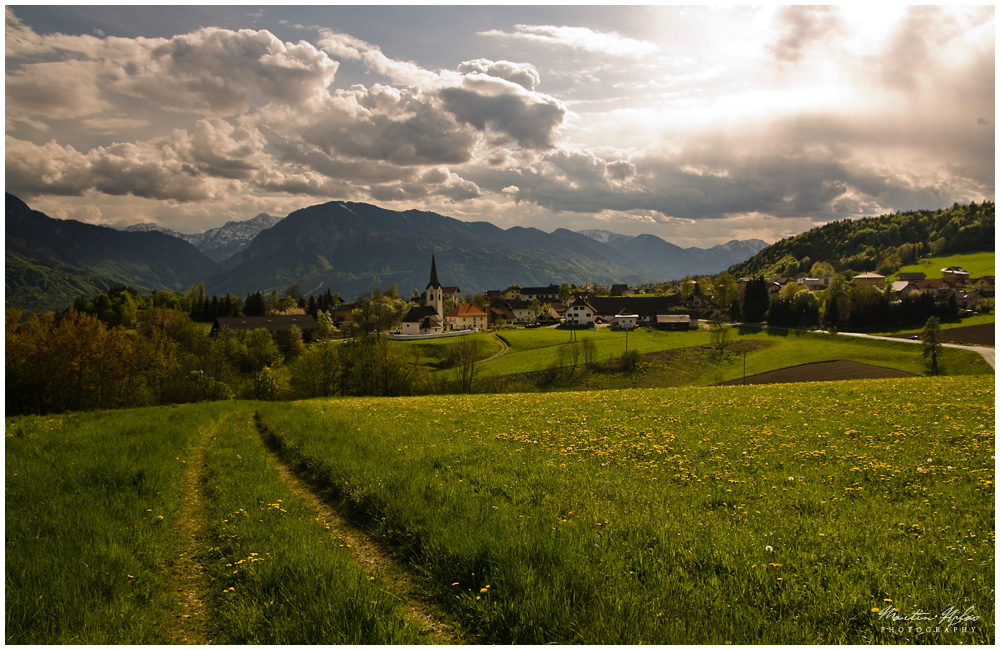 Weg in's Dorf