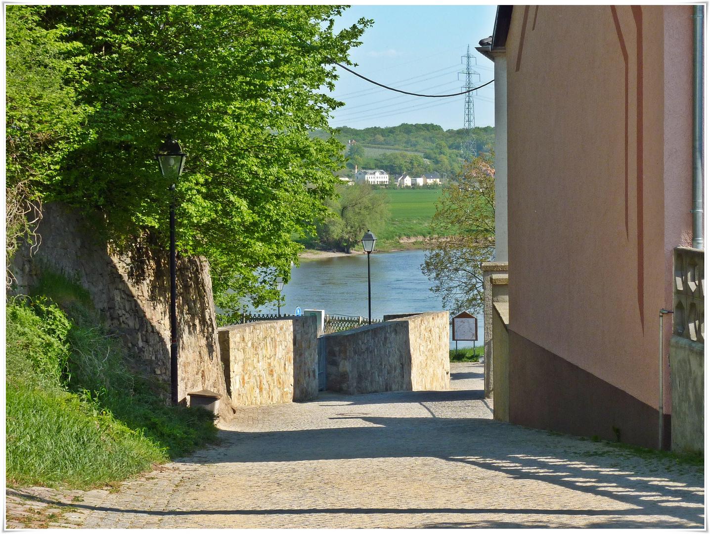 Weg zur Elbe