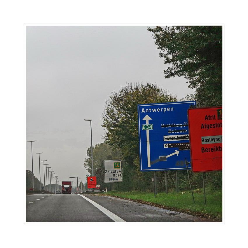 Wegweiser (Straßenführung folgen)