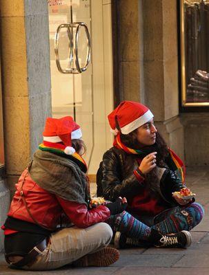 Weihnachten macht auch die Weihnachtsfrauen hungrig
