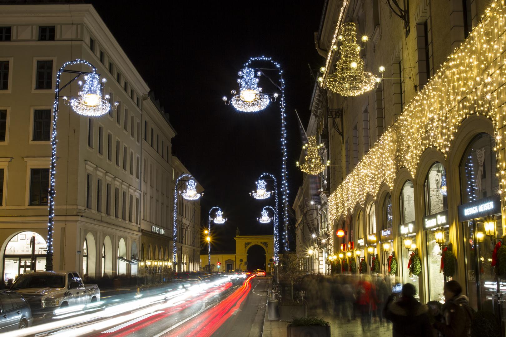 Weihnachtliche Briennerstrasse 2