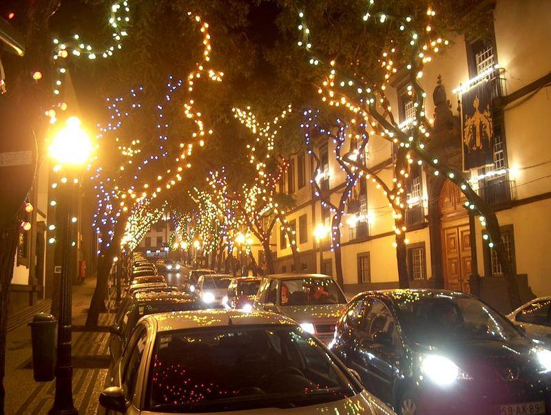 weihnachtlicher Lichterglanz in Funchal