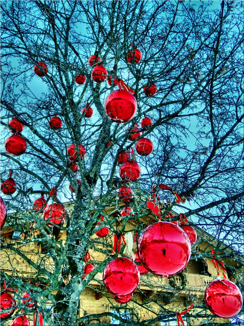 Weihnachts- oder Osterbaum
