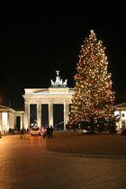 Weihnachtsbaum am BB Tor