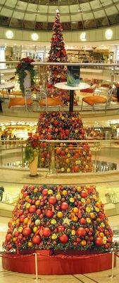 Weihnachtsbaum im Allee-Center