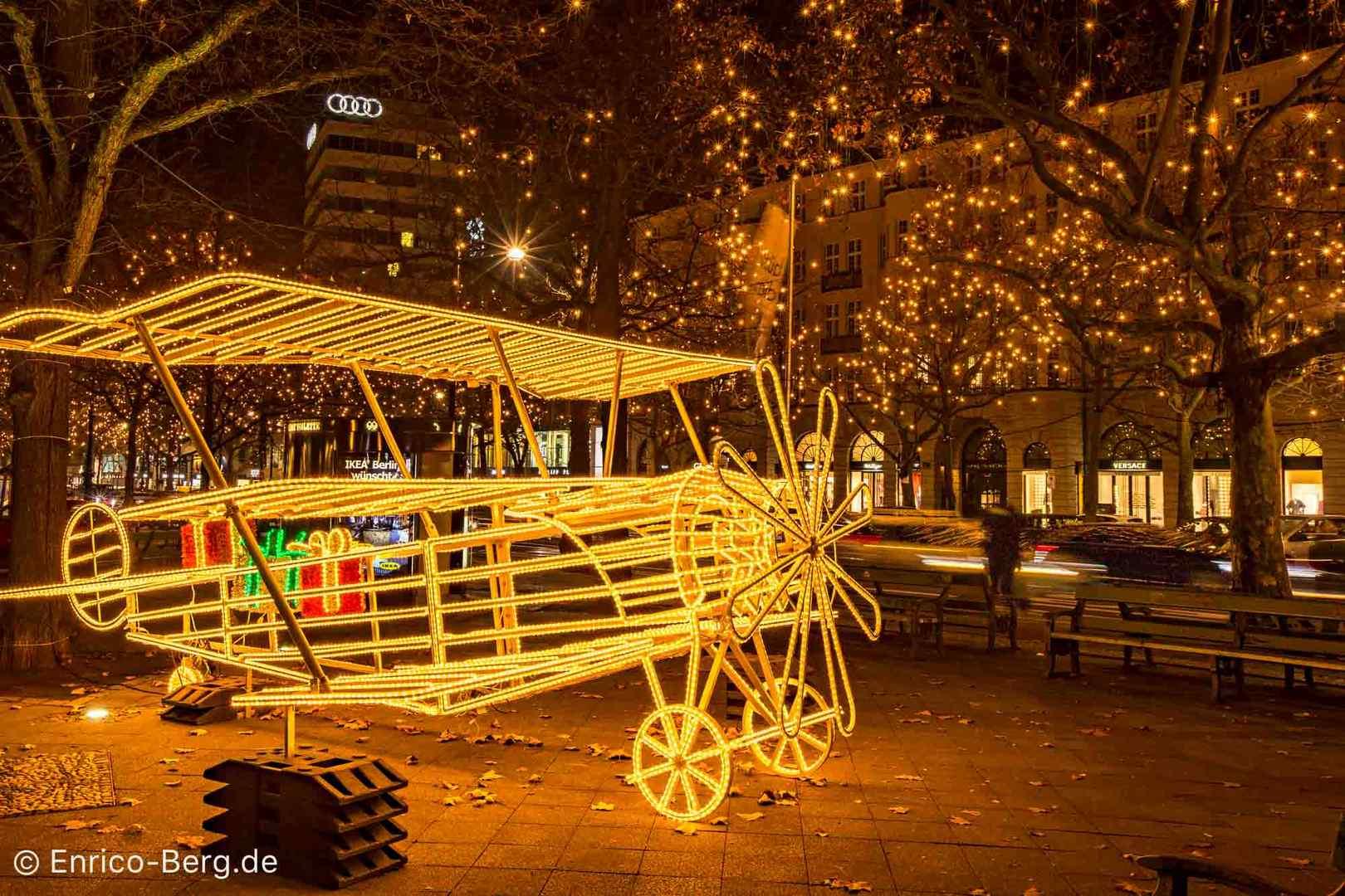 weihnachtsbeleuchtung berlin ku 39 damm foto bild weihnachten shopping dezember bilder auf. Black Bedroom Furniture Sets. Home Design Ideas