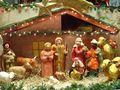 Weihnachtskrippe in einem Schaufenster in Lübeck von wmab
