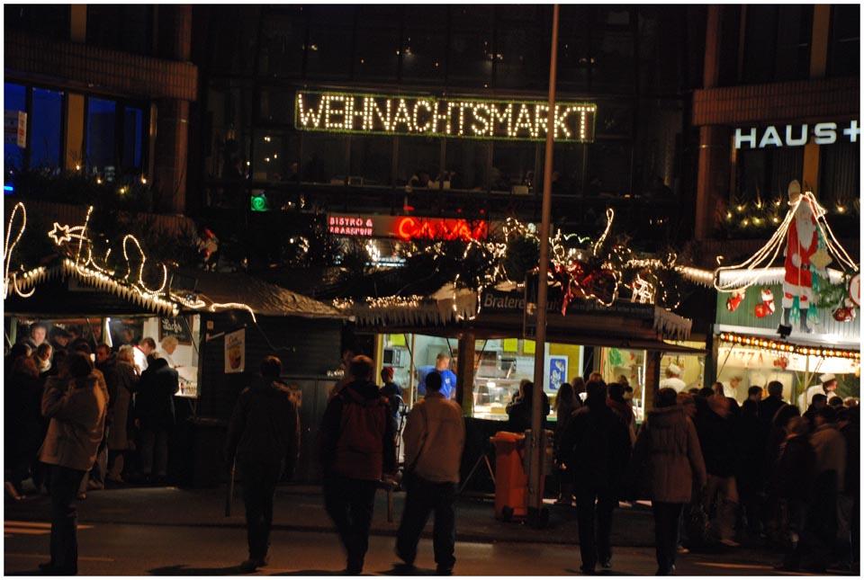 *Weihnachtsmarkt*