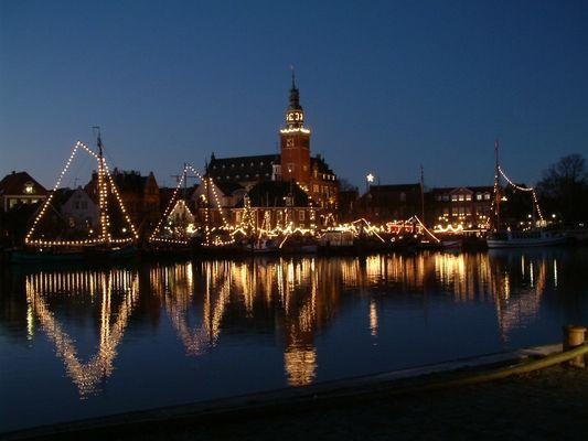 Weihnachtsmarkt am Hafen