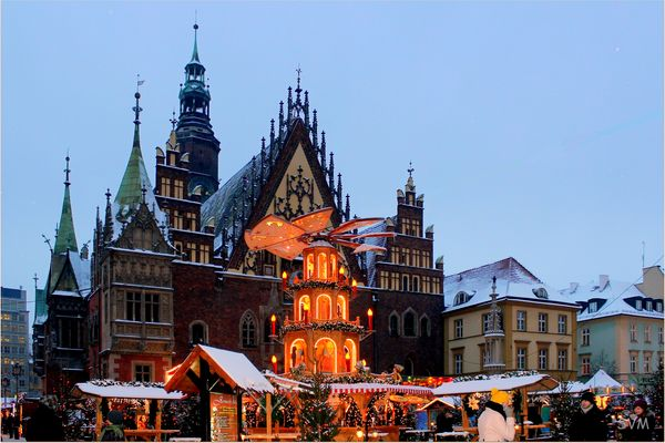 Weihnachtsmarkt am Rathaus in Wroclaw