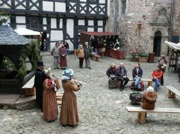 Weihnachtsmarkt auf Burg Falkenstein
