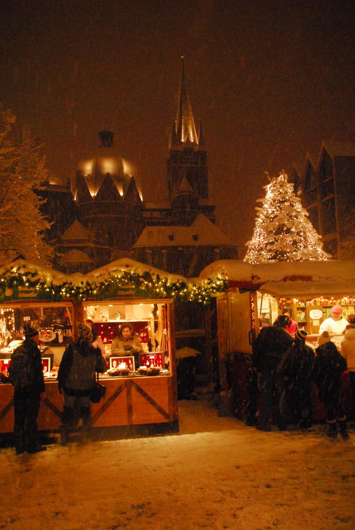 Weihnachtsmarkt im Schnee 2010