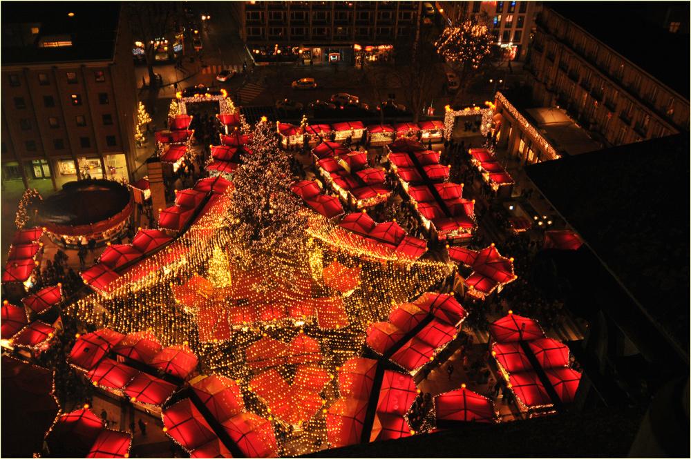 Weihnachtsmarkt op' em Roncalliplatz