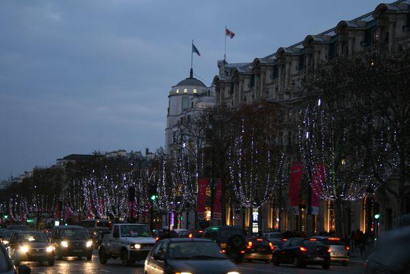 """""""Weihnachtsstimmung auf der Champs-Elysees..."""""""