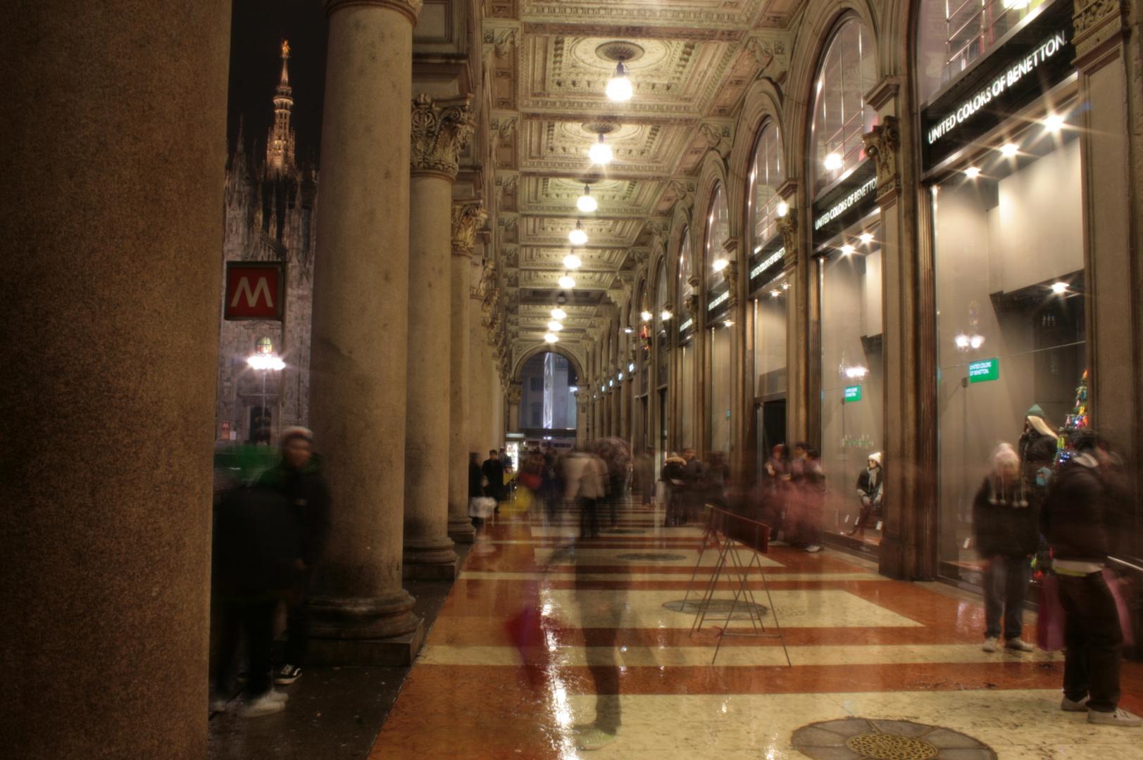 Weihnachtstrubel in Mailand