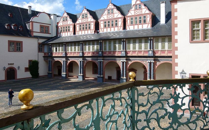 ...Weilburger - Schloss - Ansichten...