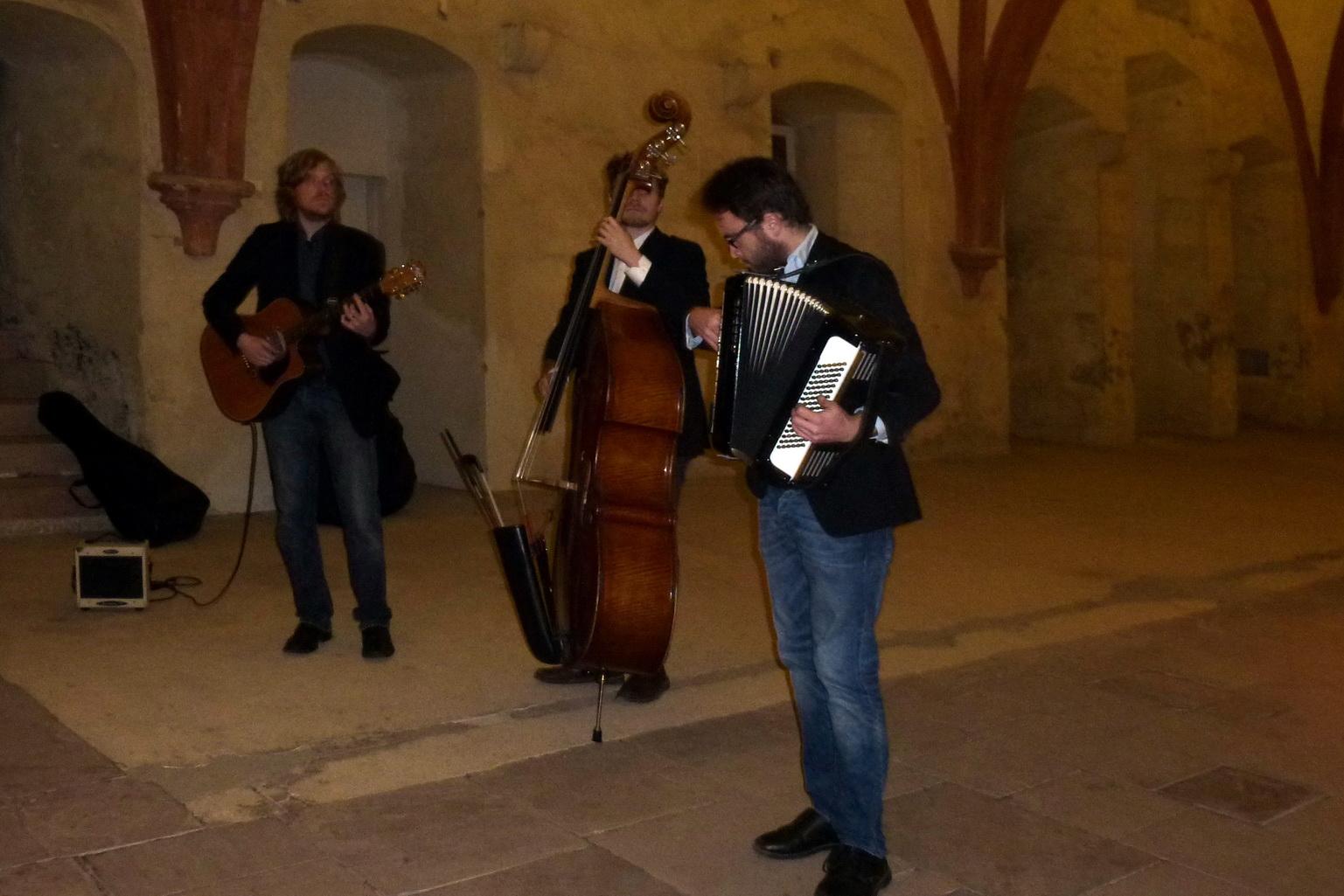 Weinprobe mit Jazzbegleitung im Kloster Eberbach