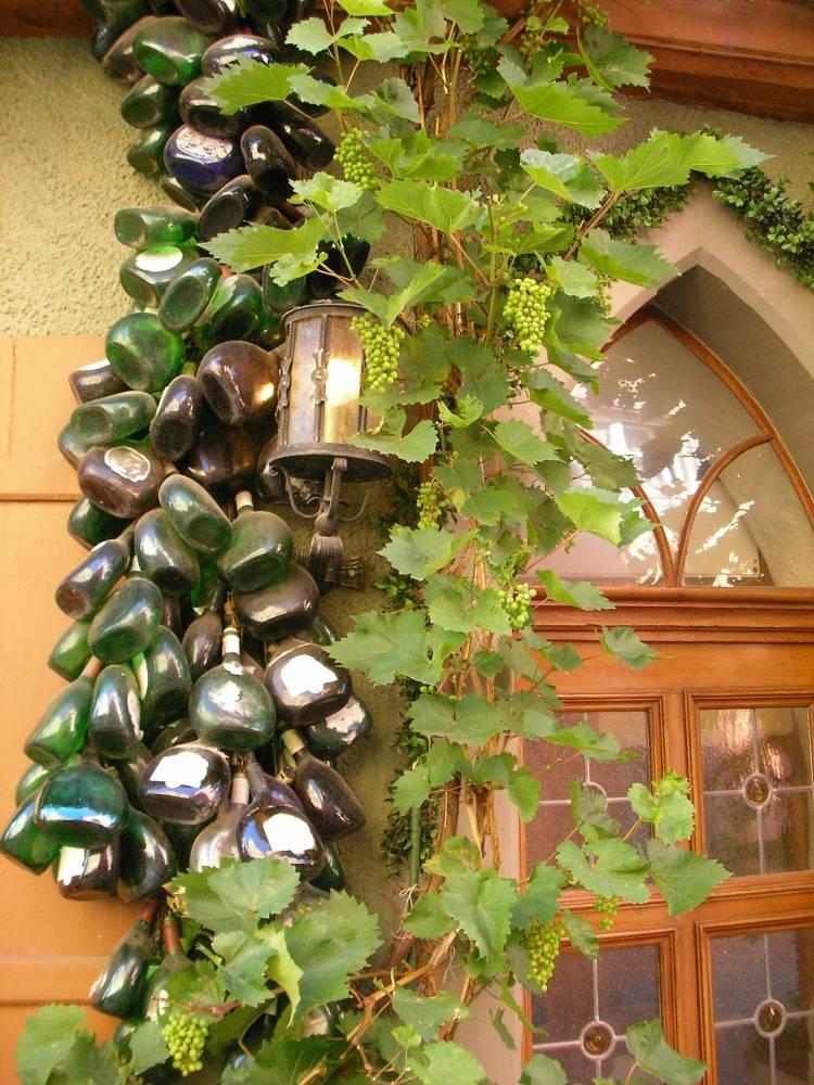 Weinranken-Flaschen-Laterne