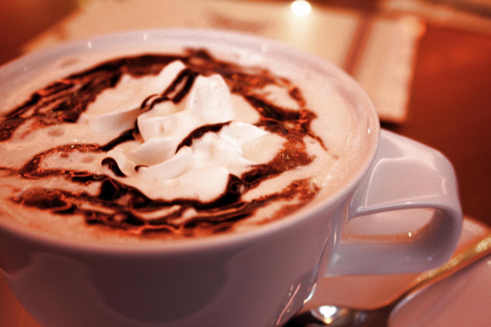 wei e hei e schokolade foto bild stillleben essen trinken tee und kaffee bilder auf. Black Bedroom Furniture Sets. Home Design Ideas