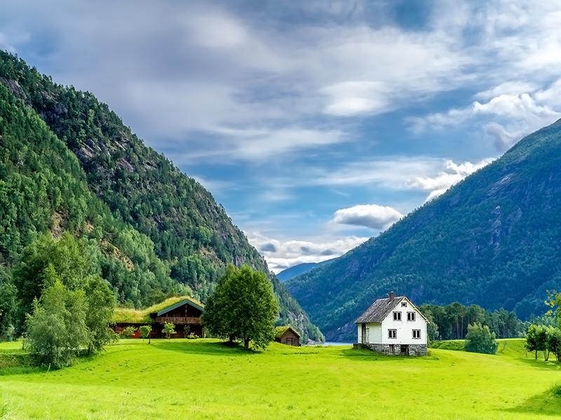Weißes Holzhaus