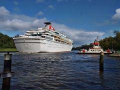 Weiter geht es zur Kanalschleuse nach Kiel ....