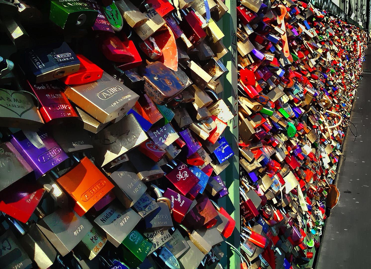 Welche Farbe hat die Liebe?