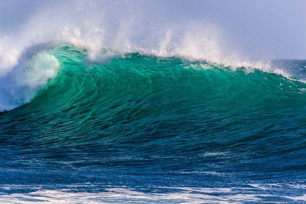 Welle vor der Ile de Sein, Bretagne