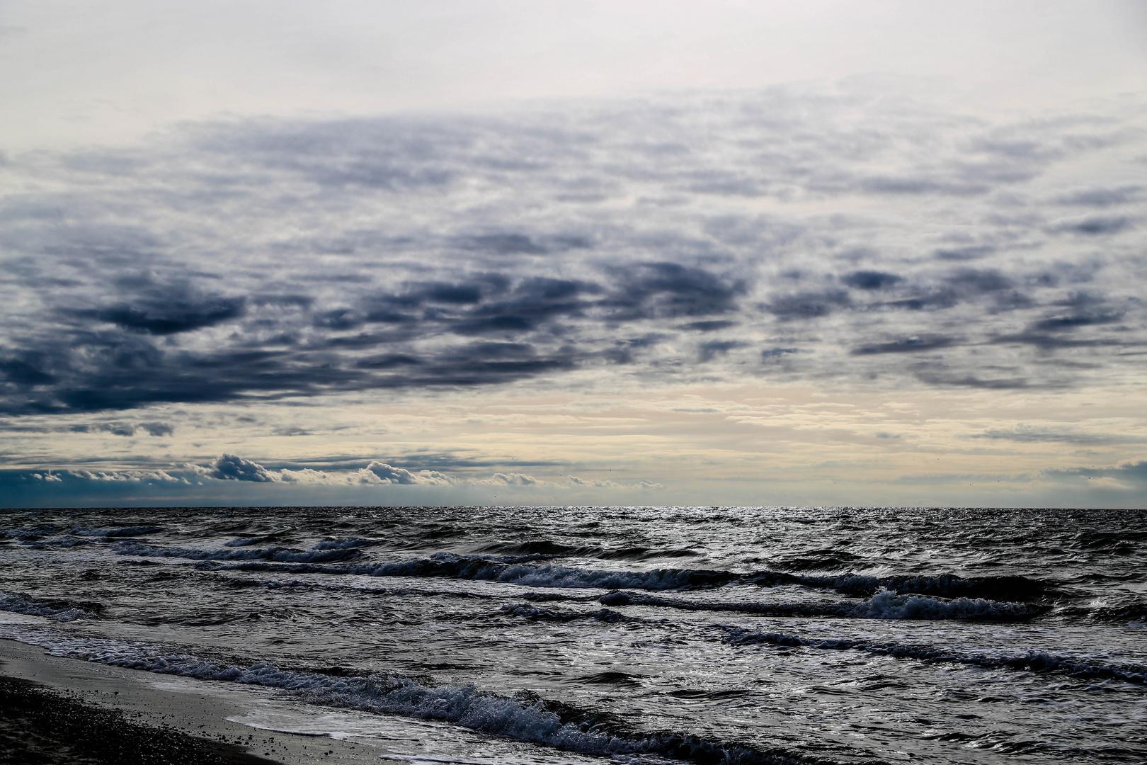 Wellen und Wolken