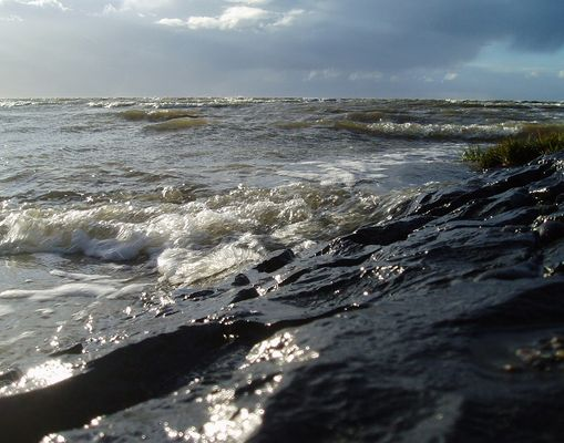 Wellen vor Cuxhaven (am Wellenbrecher)