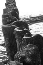 Wellenbrecher im Wieker Bodden