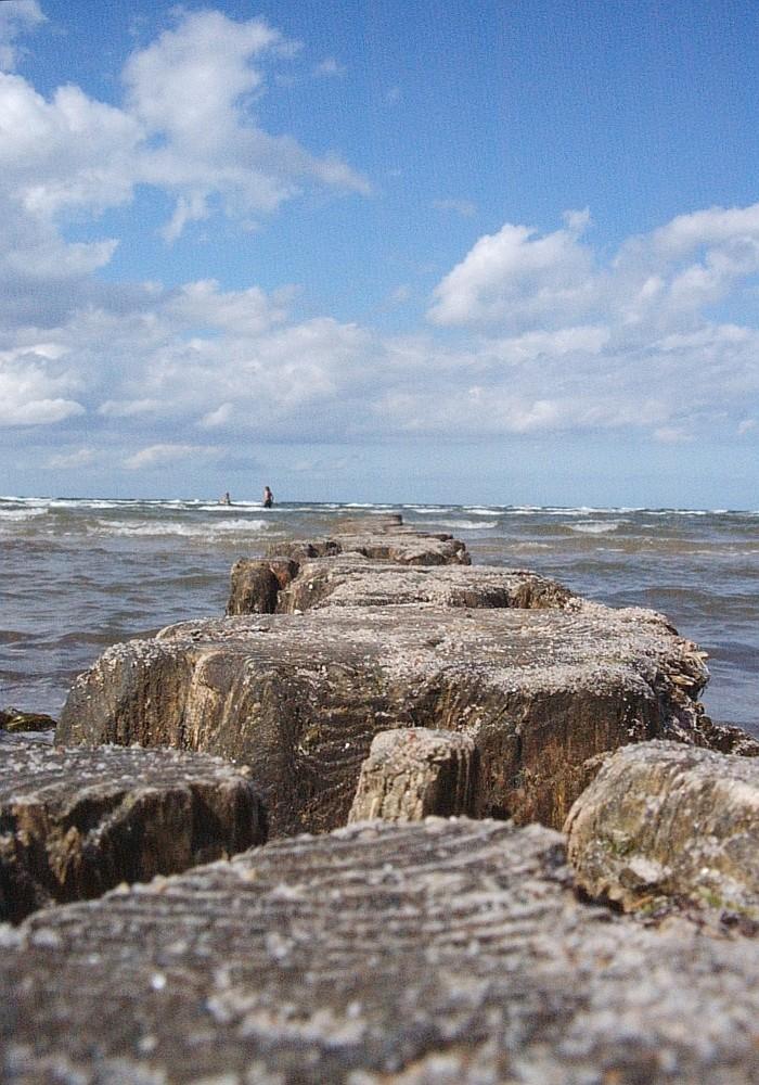 Wellenbrecher in der Ostsee